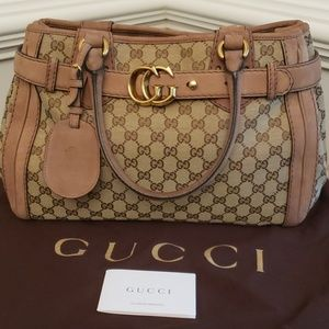 Gucci Bags - STUNNING! RARE GUCCI GG RUNNING TOTE
